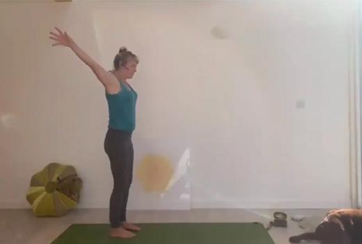 Heart-Chakra-Morning-Flow-–-lift-the-spirits